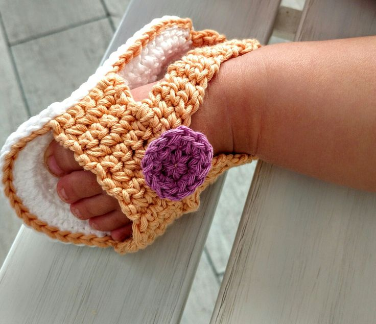 Adorable sandals for adorable little feet  https://www.etsy.com/it/listing/279720226/completo-cuffia-e-scarpine-baby?ref=shop_home_active_2