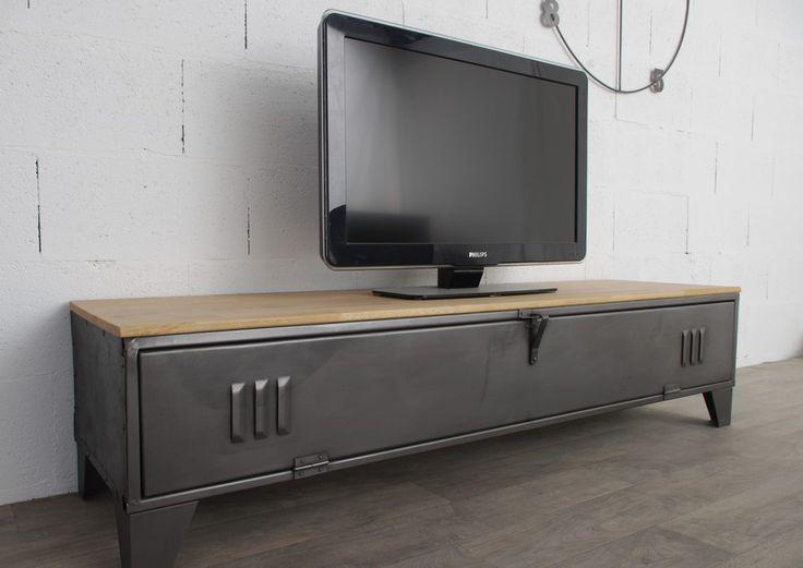 Meuble tv industriel avec un tr s ancien vesiaire superbe for Ceruser un meuble ancien