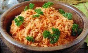 Салат морковный с орехами