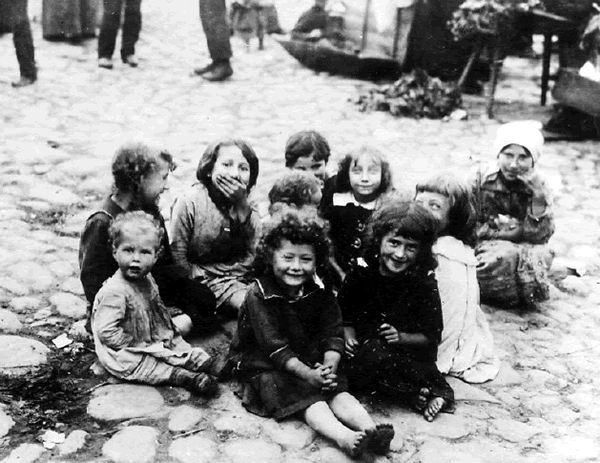 pictures of children lost in Jewish Holocaust - Yahoo Image Search Results