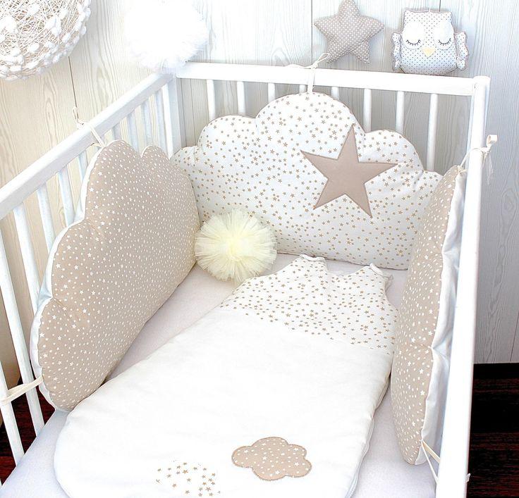 les 25 meilleures id es de la cat gorie coussin nuage sur pinterest oreiller nuage oreillers. Black Bedroom Furniture Sets. Home Design Ideas