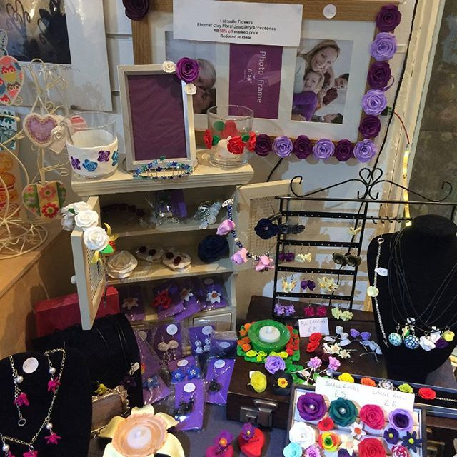 Instead of maker of the month this month fabtastic flowers jewellery and accessories are all half marked price! #sale #Huddersfield #flowers
