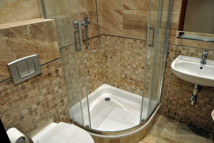 Komfortowa łazienka z prysznicem     http://www.apartamenty-krakow.com/nocleg/apartament-kremowy/