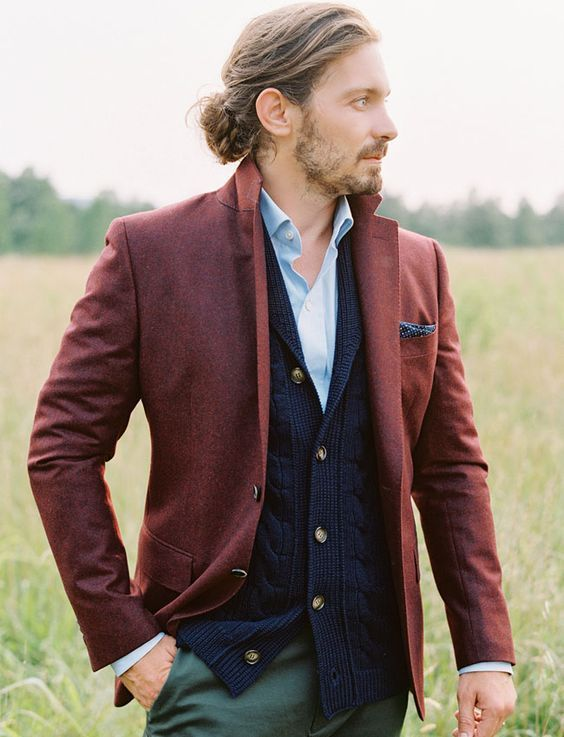 Brilliant 26 Best Groom and Groomsmen Boho Wedding Attire Inspiration https://weddingtopia.co/2017/11/06/26-best-groom-groomsmen-boho-wedding-attire-inspiration/ Picking your ideal appearance for your big day is an exciting but overwhelming choice. This one is actually pleasant and joyful approach to find bohemian look in casual outfit. Another concept is to put on a floral shirt and a neutral tie, it is going to be a very bold appearance.