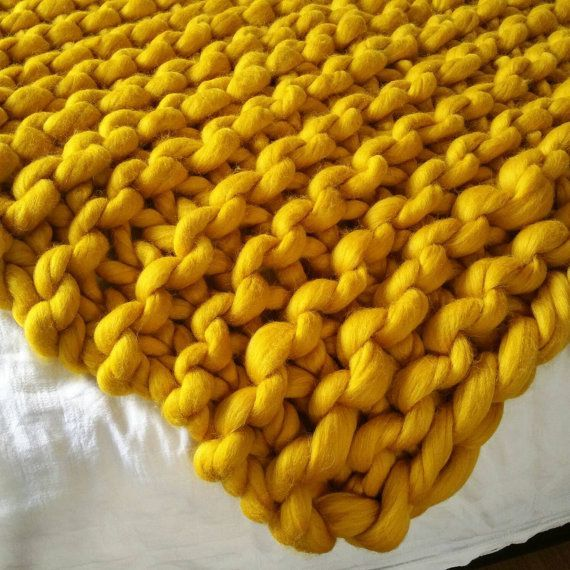 Luxury Bed Runner Merino Wool Blanket With Images Yellow Bedding Giant Knit Blanket Knitted Throws
