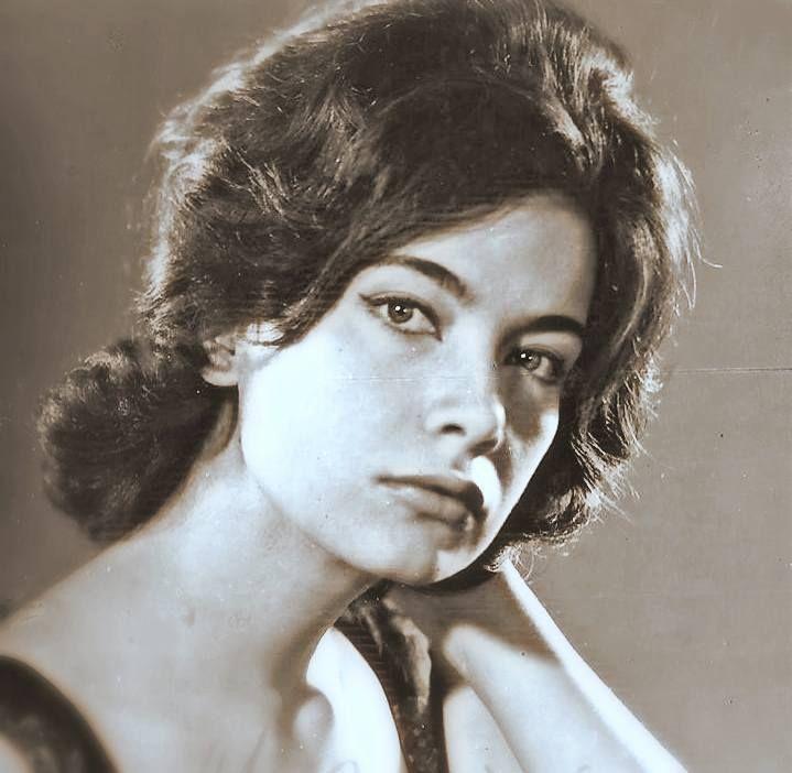 30 σπάνιες φωτογραφίες της αθάνατης Τζένης Καρέζη - nena.gr - Σελίδα 12