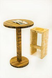 Barový stolek s barovou židlí