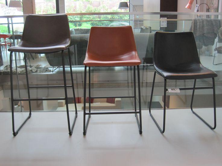 25 beste idee n over zwarte stoelen op pinterest zwarte for Verschillende kleuren eetkamerstoelen