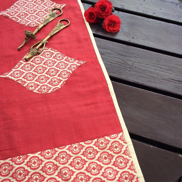 As some of you might know I started my business by handpainting as well as sourcing artisanal wares from India, I am now running an Insta sale leading upto mothersday & after to clear some stock....all limited nos, this is one of our first handscreen printed designs, printed on Linen & mixed here with a rustic tussar silk, table runner originally $29.00 now for $12.50, DM me if interested, limited stock…