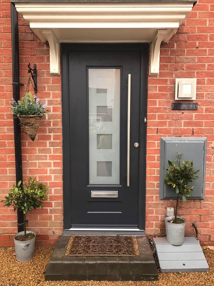 A beautiful shot of an Anthracite Grey Vogue! Fitted by Amazing Glazing in Widnes #Rockdoor #Homedecor
