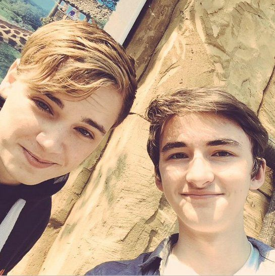 "Pin for Later: Mind-Blowing Pictures of the Game of Thrones Cast Hanging Out in Real Life  Dean-Charles Chapman: ""Day out to chessington World of adventures with Isaac!"""