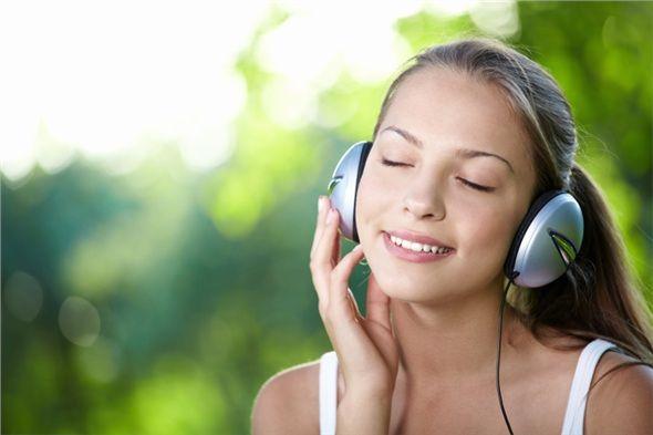 Güne müzik dinleyerek başlayın. Ruhunuzu güzel bir müzikle uyandırmak gibisi yoktur.