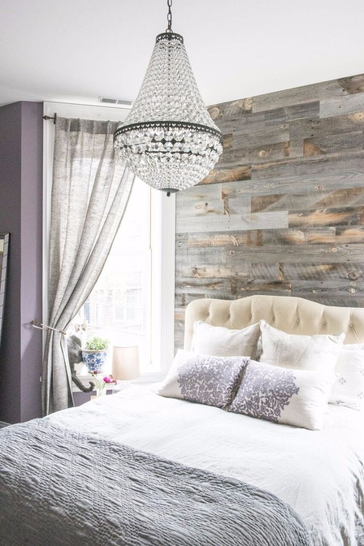 Master bedrooms with breathtaking chandeliers | www.masterbedroomideas.eu #chandelier #bedroomdesign #chandelierdesign #chandelierideas #lightingideas