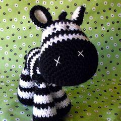 Found at Amigurumipatterns.netZebras Amigurumi, Crochet Zebras, Crochet Amigurumi, Amigurumi Pattern, Zebras Pattern, Janice Cyr, Crochet Patterns, Amigurumipatterns Nets, Buy Zeb