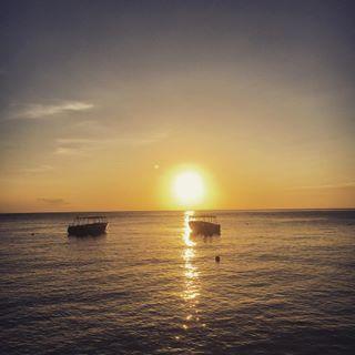 Beautiful sunset in St Lucia tonight  #sunset #sun #travel #instatravel #stlucia #caribbean #sea #beautiful #love