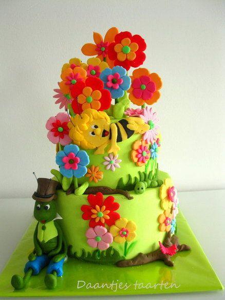 Maya the Bee - by Daantje @ CakesDecor.com - cake decorating website