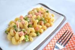 » Pasta salmone e piselli - Ricetta Pasta salmone e piselli di Misya