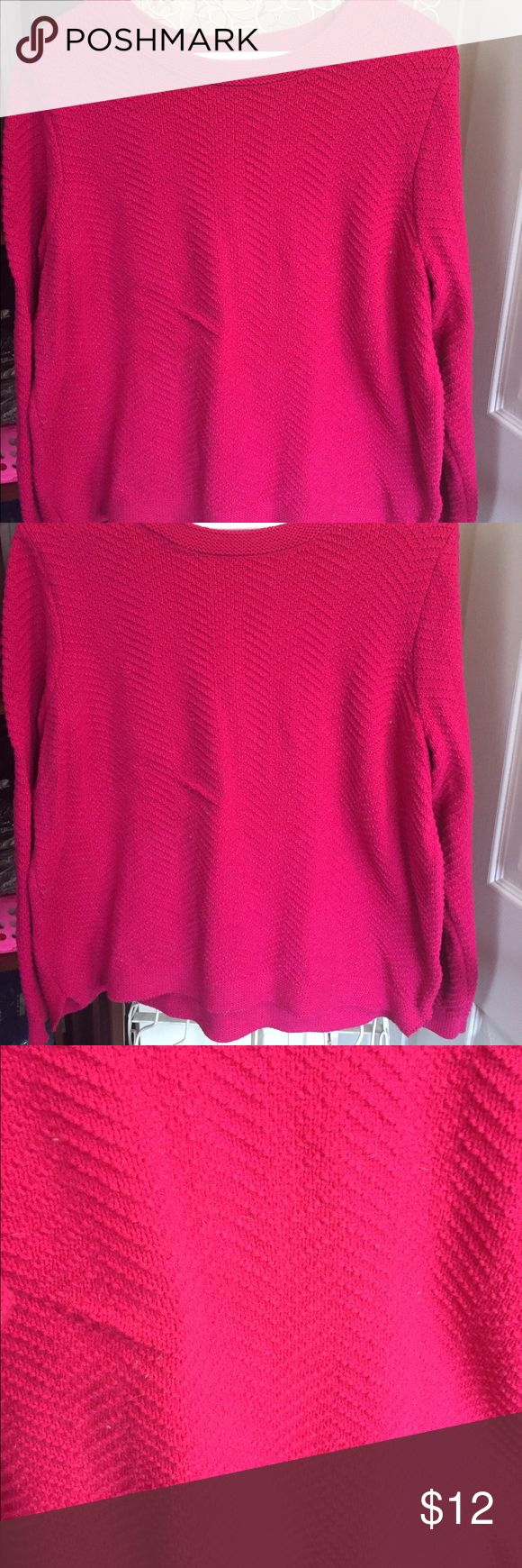XXL SWEATER ⚡SALE TODAY To me it looks like a raspberry color.  Very pretty. Worn once. Old Navy Tops