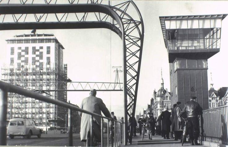 Hotel Europa under opførelse 31. december 1954. Langebro blev indviet i juni samme år. Foto af Pressefotograf Ibsen.