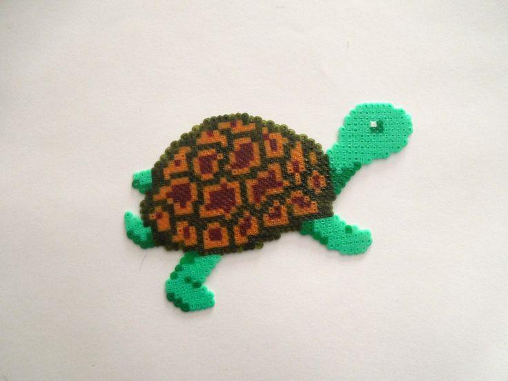 Turtle hama mini beads by Cristina Arribas