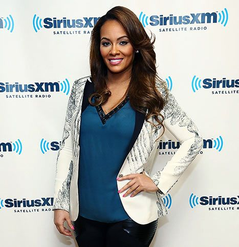 Evelyn Lozada Engaged To Carl Crawford! Congrats from all the team at Ourbigdayinfo.com. Don't forget to create your elegant wedding website at ourbigdayinfo.com Evelyn!