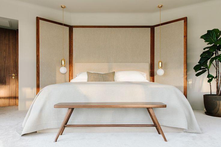 simple bedroom, screen headboard, by STUDIOILSE