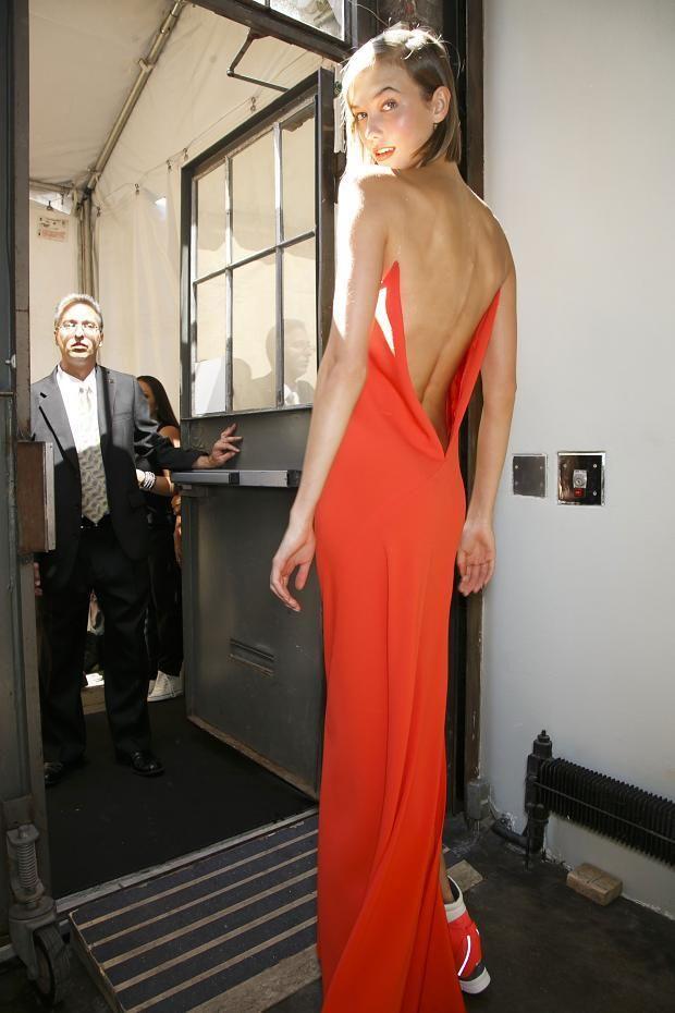 Karlie Kloss backstage at DKNY Spring 2014 | Crimson ...