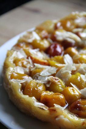 Tarta tatin de ciruelas (castañas) miel y almendras facil // Tatin yellow plum honey and almonds easy // Tatin aux mirabelles, miel et amandes : la recette facile