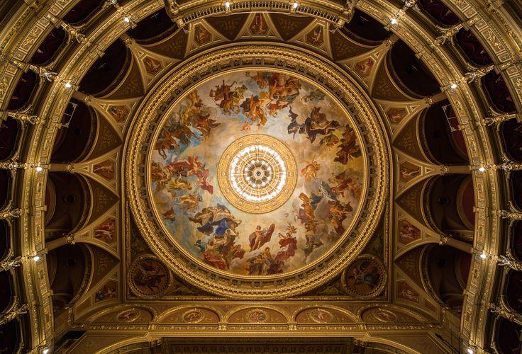 opera beltér, interior, achitecture, épület fotózás, ingatlan fotózás