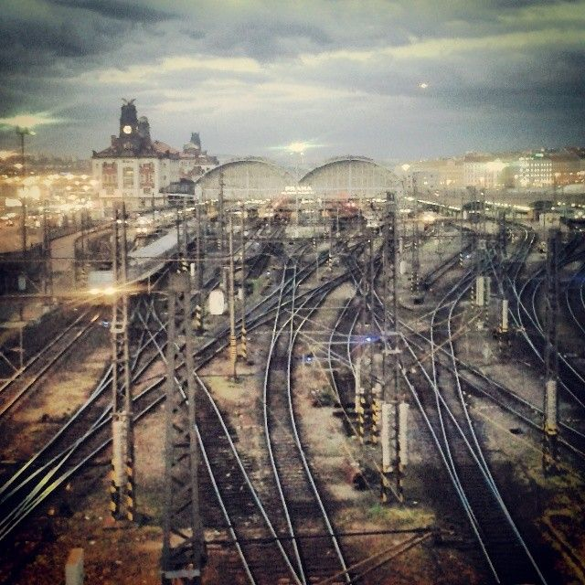 how to train from prague to hummene