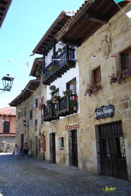 Fachadas típicas  Santillana de Mar  Cantabria  Spain