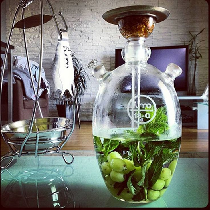 Fumo makes some great glass hookahs, I hope I get to own one some day. #hookah #shisha #fumo
