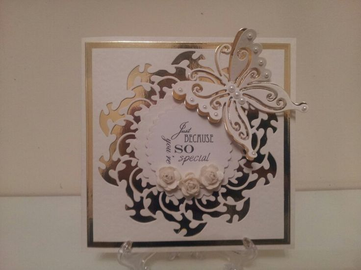 Mother's Day card.Tonic's Wild Vine Circle die and Marianne Design CR1205 Butterfly die.