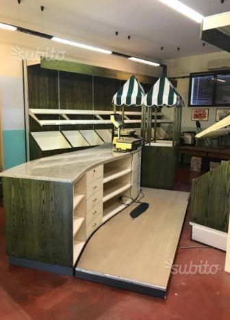 Vendo bellissimo arredamento negozio ortofrutta e for Arredamento ortofrutta in legno