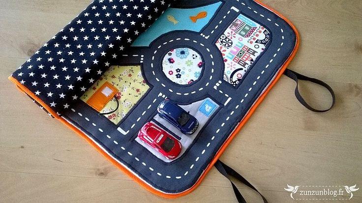 Tutoriel de couture détaillé et illustré pour coudre un tapis de voitures nomade.
