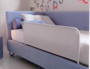 Buongiorno mamme, oggi voglio darvi qualche piccolo suggerimento su come effettuare la transizione del vostro bambino dal lettino con le sponde al suo primo letto grande.