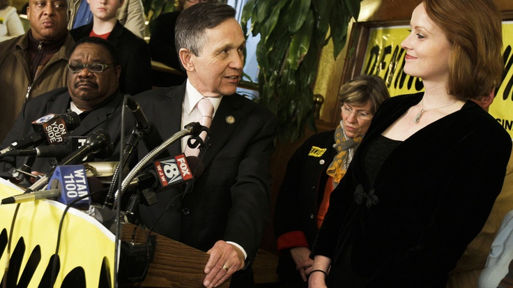 THAT'S Kucinich's wife?!  Whoa...in cartoon world that's like the Troll from Central Park marrying Ariel.  Wtf.