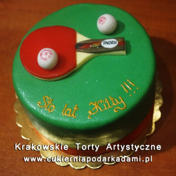 123. Zielony tort z rakietką do ping-ponga. Racket for ping-pong cake.