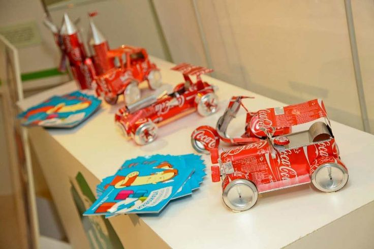 Creative-Bootle-Car-Kids-DIY-Artwork-Ideas-Made-of-Waste-Materials