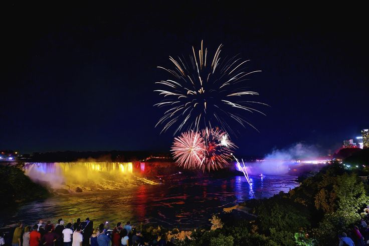 Fireworks over Niagara Falls Every Fridays and Saturdays in Summer, the Queen Victoria Park hosts a spectacular firework display over the falls at 10 pm. One of the best spots to shoot the fireworks and illumination is somewhere near the Hornblower Niagara Cruise building in the Queen Victoria Park of Canada.