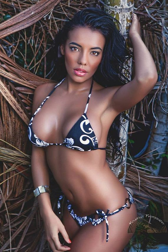Polynesian Bikini With Coconut Wood Rings Ring