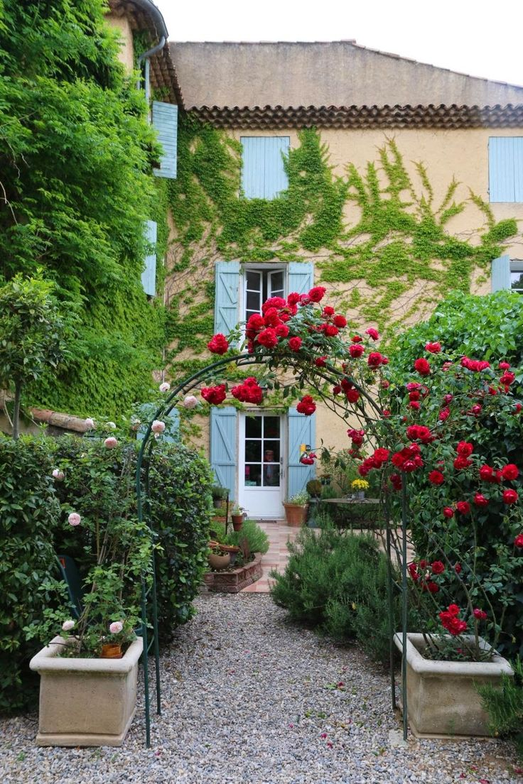 French backyard gardens - France B