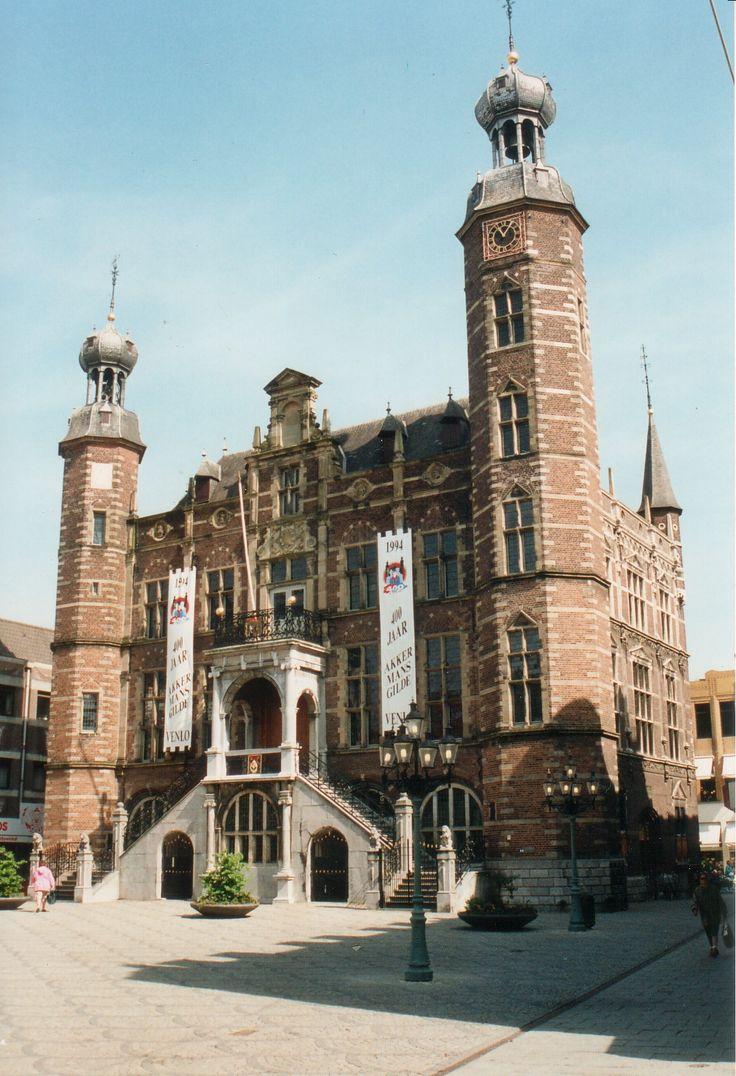 Het Stadhuis van Venlo is een vrijstaand stadhuis in renaissancestijl.