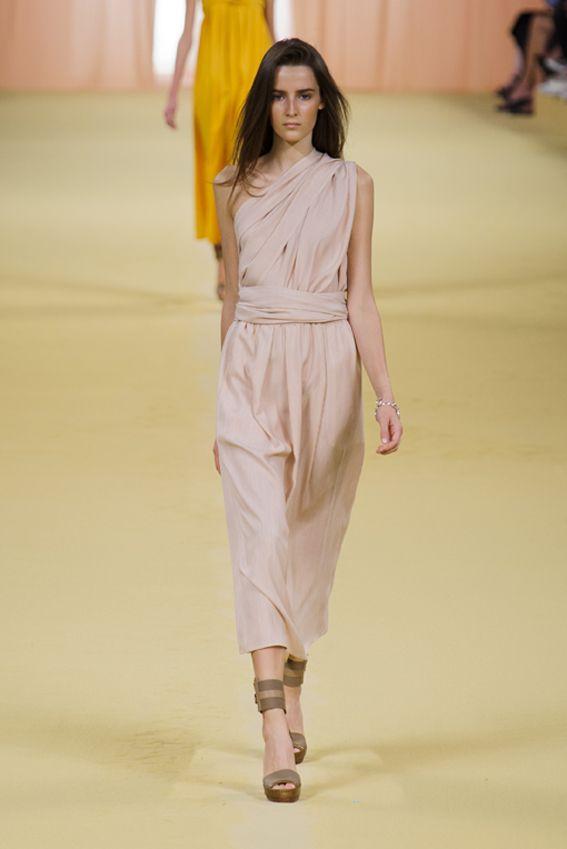 Mode à Paris S/S 2015 Hermès. See all fashion show at: http://www.bookmoda.com/?p=40432&lang=en #modeaparis #spring #summer #ss #fashionweek #catwalk #fashionshow #womansfashion #woman #fashion #style #look #collection #paris #hermes @hermesofficial