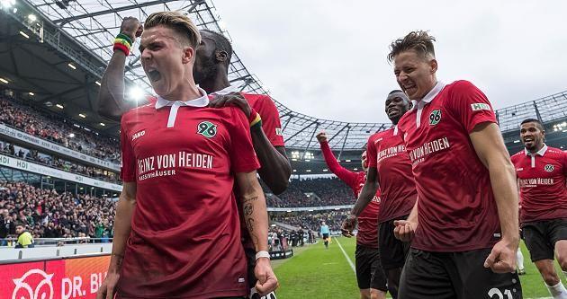 BL 17/18: Hannover 96 - B.Dortmund 4:2 - Hannover gegen Dortmund