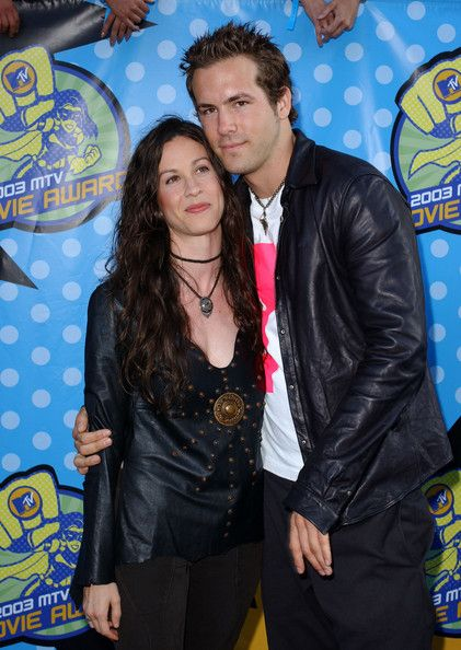 Alanis Morissette and Ryan Reynolds - Celebrity Couples You Totally Forgot About - Photos
