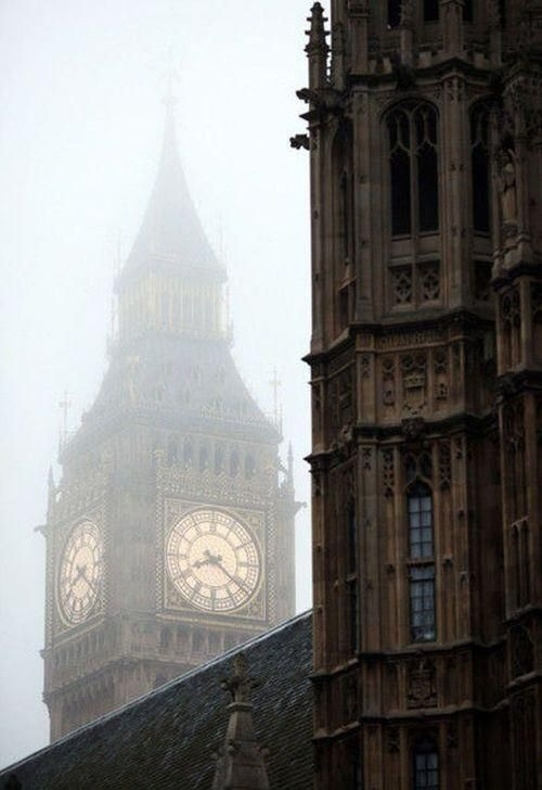 London in the lovely misty rain - one thing I really want to experience in England is the cool, rainy weather.