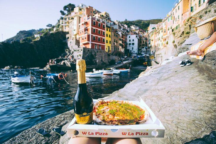Picnic Dinner at Riomaggiore, Cinque Terre, Italy -- The Ultimate Guide to Visiting Cinque Terre : polkadotpassport