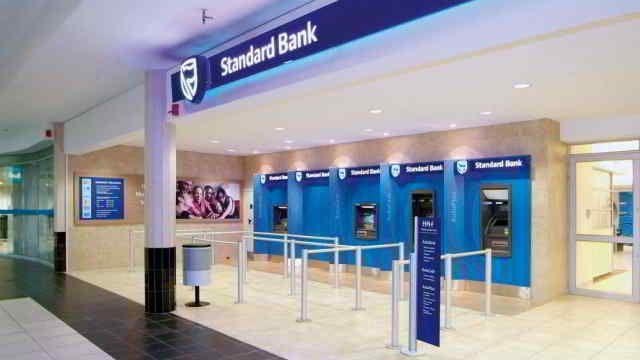 En 2015, à peine un peu plus d'1% des 2000 plus grandes entreprises mondiales sont africaines. La banque sud-africaine Standard Bank est le géant africain du classement, 1ère sur le continent et 329ème mondiale.