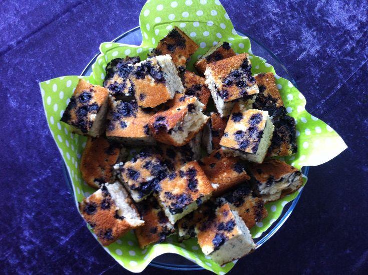 Svampet blåbær kage